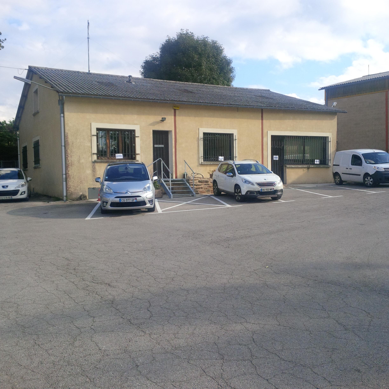 locaux entreprise à Salles-Curan